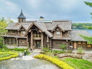 Westwood~Stunning custom built Lake Joseph Luxury Cottage