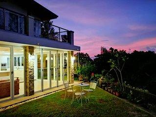 KK Luxury Villa+Swimming Pool. 15pax.KK山顶休豪华闲度假屋私人泳池, 女佣包括 和免费机场接送服务