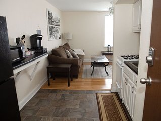 Comfy Couples 2BR Getaway by Brady St
