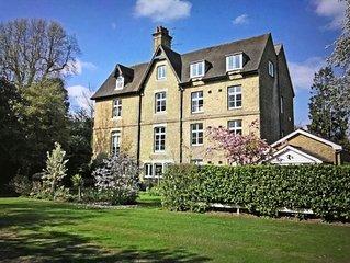 CHOBHAM, Surrey.  Stunning, luxurious, spacious mansion conversion Sleeps 5/6