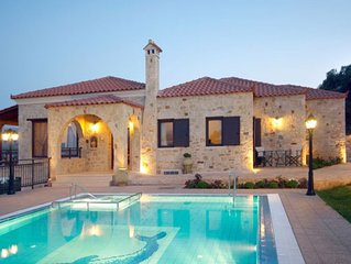 Spacious Villa with Wonderful Panoramic Views