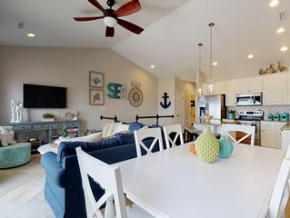 Oceanfront complex with community pool, Sleeps 11.