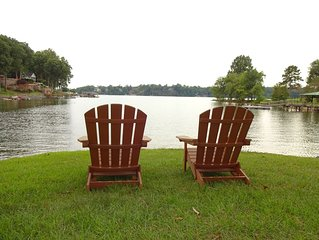 Lake Norman waterfront home perfect for your Fall getaway!