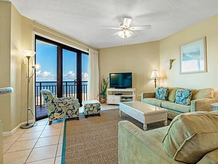 402W - Spectacular Gulf Front Views in this 3BR Condo!
