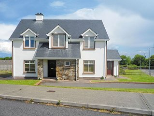4 bedroom accommodation in Tullaghan