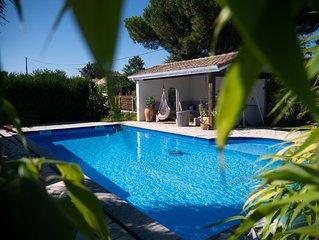Villa 12 personnes, piscine au sel chauffee et securisee, tres calme