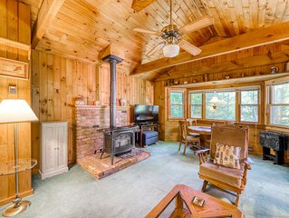 House near the lake - full kitchen, washer/dryer, quiet location!