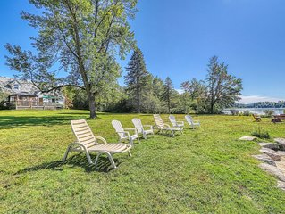 Lakefront house w/ 275 feet of waterfront, enclosed porch, firepit
