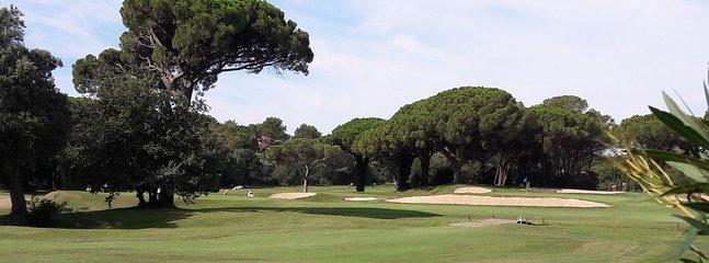 Fameux golf 'Old Course' de Valescure, à quelques km, dans les pinèdes