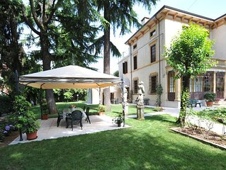 Villa Gloria. Appartamento signorile in villa liberty in città