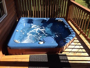 New Listing! Mountain & River Cabin, Hot Tub, Pool, Tube, Fish, Swim,