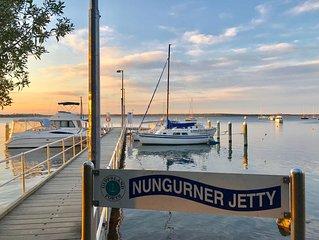 Amazing waterfront views, scenery, bird-life, free kayaks & private jetty