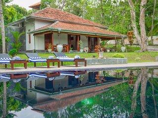 Villa Godahena, Beautiful Lakeside Villa With Private Gardens, Pool And Monkeys!
