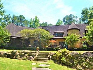 Taste of Lake Martin, Luxury Lakefront Family Home, 30 miles from Auburn