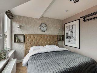 Volendam Old Bridge Residence  (room 6)