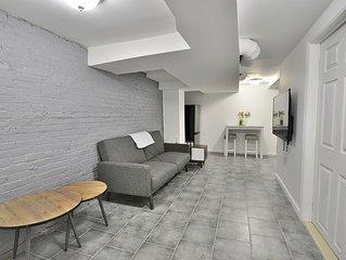 Garden Apartment w/  2 Queen Beds!