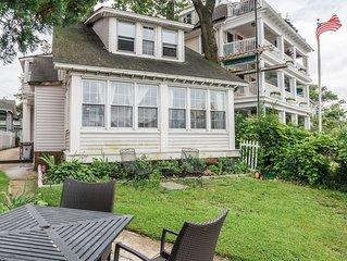 Quaint & Cozy Ocean Grove apartment overlooking Asbury Park