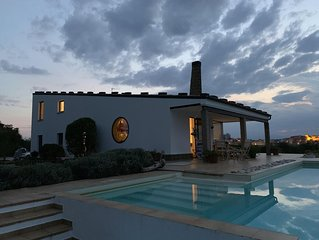 Idyllic 3 Bedroomed Modern Villa With Infinity Pool And Glorious Views