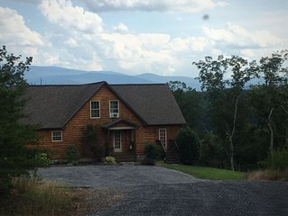 Mountain Views~ 2 King Master Suites ~  Skyline Drive / Caverns / Wineries