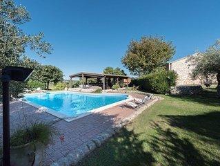 Antica villa ristrutturata, con splendido giardino e piscina.