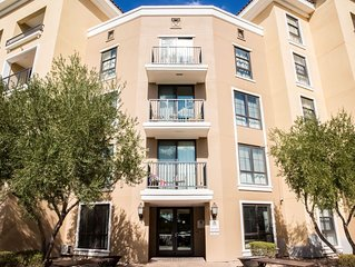 1BR 1BA Suite with Lake Views And Access!!!