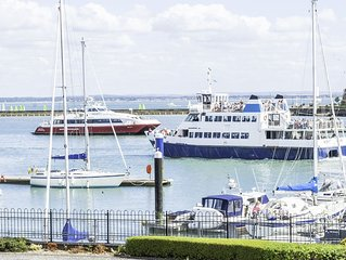 Cowes 2 Bedrooms 2 Bathrooms With Marina Views, Good Reviews And Rates
