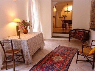 Casa Montalto Caruggio. 2 Schlafzimmer individuelle und künstlerische Einrichtun