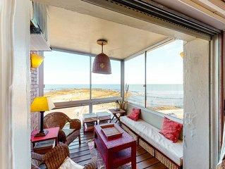 Bayfront apartment in a prime location near Playa Brava & Playa El Emir!