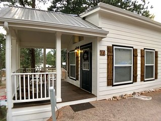 ****THOROUGHLY cleaned/sanitized****Brand New Farmhouse Tiny Home with a view!