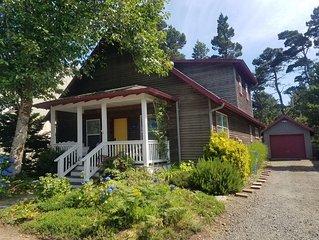 BellaVilla - Elegant beach cottage in premier destination neighborhood