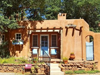 Deal! Luxury Guesthouse for 2 by Pikes Peak with Mtn Views and 5 Star Reviews