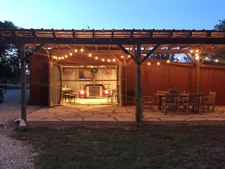 Comfort Acres on the Guadaupe River Ranch House and Small Party Barn!