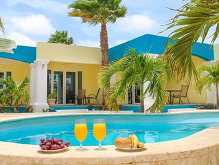 Aqua Viva Suites - 2 Bdrm Suite - Enjoy a pleasant stay at great value