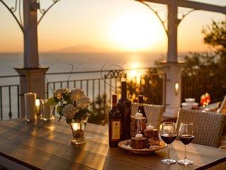 MERAVIGLIA SU CAPRI  Appartamento vista Capri con piscina in Penisola Sorrentina