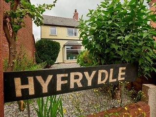 Hyfrydle House ( sleeps 5)