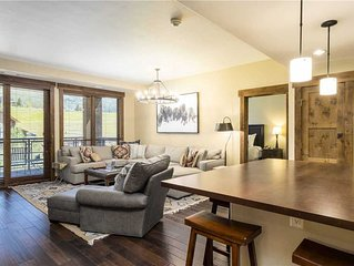 Deluxe Condo w/Private Balcony & a Cozy Fireplace for a Relaxing Stay