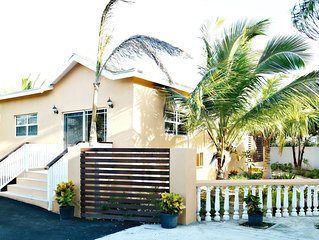 New Guest House Great for Kiteboarders! Beach Chairs/Umbrella, BBQ Grill Incl!