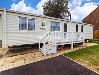 8 berth caravan for hire at Hopton holiday park to hire in Norfolk ref 80101