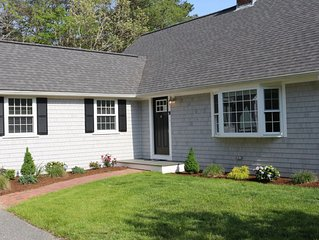 Gorgeous & spacious 3BR/3BA in Cotuit, Sleeps 12 - 1 mile to beach