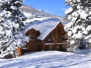 Luxurious Handcrafted Log Home Minutes to Solitude or Brighton