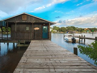 The BoatHouse on the Hillsborough River- Enjoy river and downtown water views