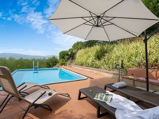 Beautiful  villa for 9 guests with WIFI, private pool, TV, terrace, panoramic vi