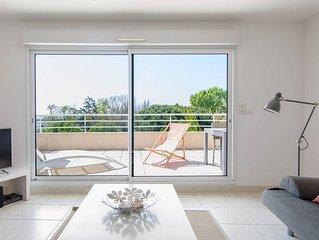 Bel appartement spacieux et moderne avec vue mer, classé 4 étoiles Réf.LGM62HTH