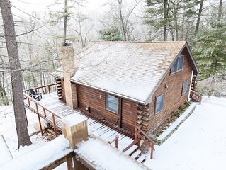 Luxury Cabin On 4 Wooded Acres w/ private Sleepy Creek Frontage