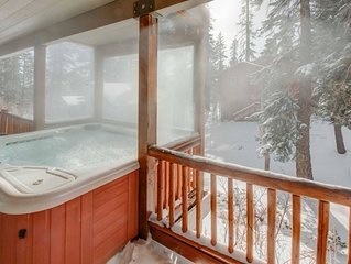 Private, Gracious & Expansive Home❄Easy toShuttle/Village❄Hottub & Sauna