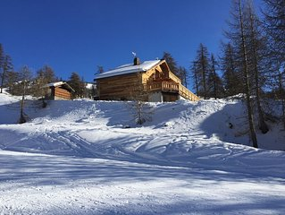 Chalet 22 pers. ski in/out. Situation ideale. Grandes terrasses ensoleillees.