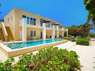 4BR-Villa Caymanas: Luxury Oceanfront Villa, Private Pool, Oceanfront Balcony.