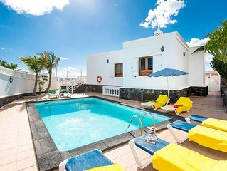 Villa Ramos Dos: Large Heated Private Pool, Sea Views, A/C, WiFi, Car Not Requir