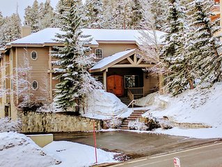 Truly Special❆Steps To Canyon Lifts❆Private Hot Tub & Sauna❆Garage/Locker❆Sleds