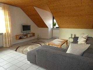 Geräumige und helle 90qm Ferienwohnung mit großem Wohnzimmer, kostenfreies WLAN